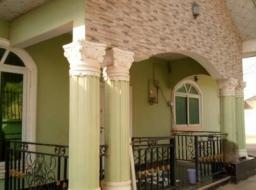 7 bedroom house for sale at Kwabenya