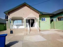 4 bedroom house for rent at Kwabenya