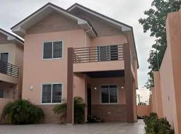 4 bedroom house for sale at Lake side