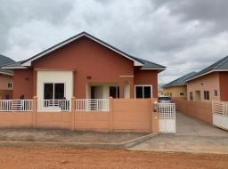 3 bedroom house for rent at Community 25 - Devtraco Estates