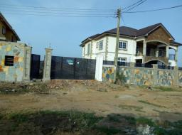 6 bedroom house for sale at Tema community25 annex towards to dawhenya road