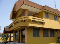 5 bedroom house for rent at Community 11, Tema